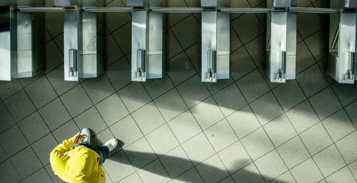 Mr. Yellow Sweatshirt Film Pacho Velez